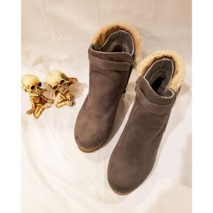 Cheeks fit body ankle boots